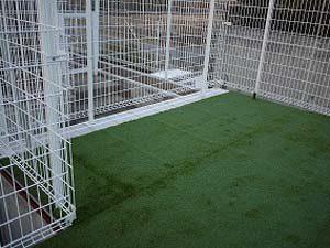 砂利敷き舗装・人工芝