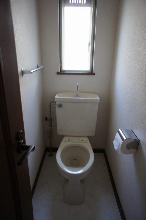 ONE DAYリフォーム(ガーデニングリフォーム)工事 PART1、トイレリフォーム(トイレ便座交換)